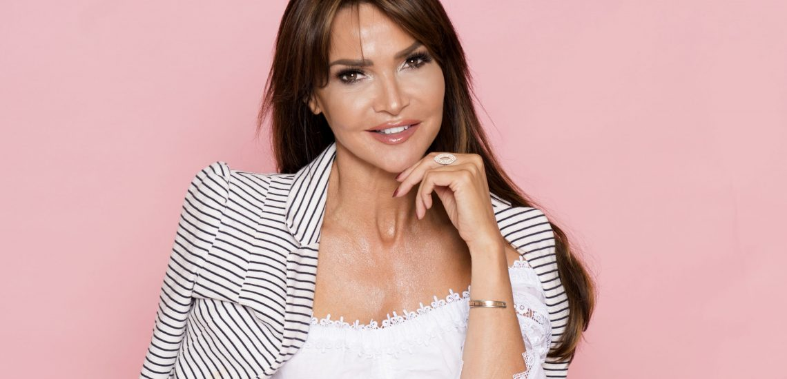 Lizzie Cundy - White Management
